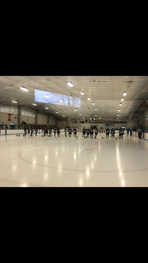 Boy's Ice Hockey Team Wins Against Diman